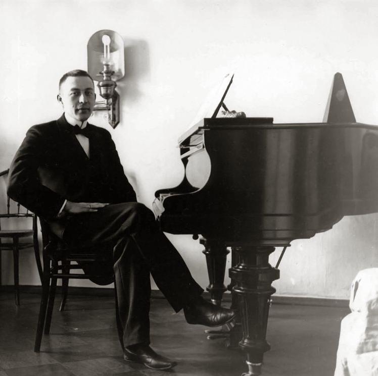 Piano Concerto No. 2 (Classical) – Sergei Rachmaninoff